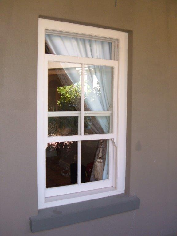 Sliding sash window (11)